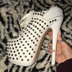 SZ 6 platform sneaker heels studded